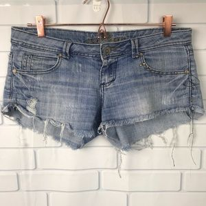Almost Famous mini booty shorts 9 Distressed blue